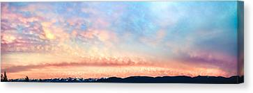 Dawning Of The Mountains Canvas Print