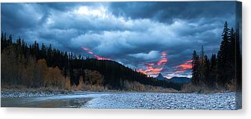 Canvas Print featuring the photograph Daybreak by Fran Riley