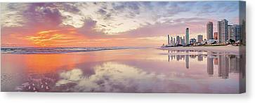 Daybreak In Paradise Canvas Print