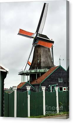 De Kat Windmill In Zaanse Schans Canvas Print