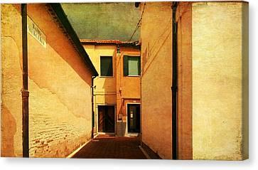 Canvas Print featuring the photograph Dead End by Anne Kotan
