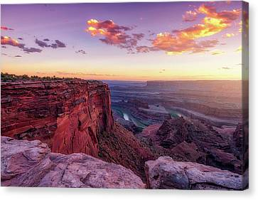 Canvas Print featuring the photograph Dead Horse Point Sunset by Darren White