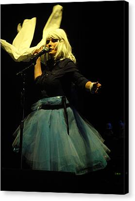 Debbie Harry Live In New Zealand Canvas Print by David Peters
