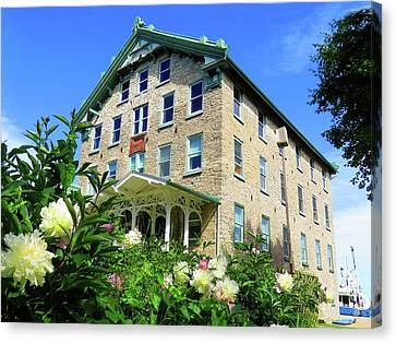 Dec Building Cape Vincent Ny Canvas Print