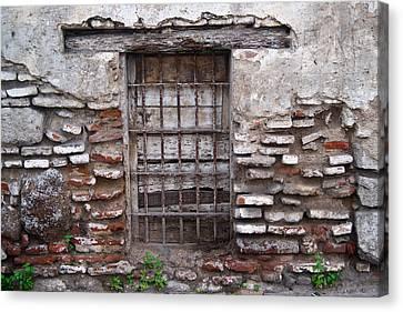 Decaying Wall And Window Antigua Guatemala 2 Canvas Print by Douglas Barnett