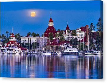 Del Moonset Canvas Print