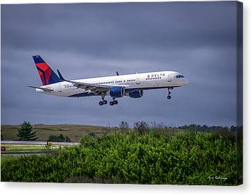 Klm Canvas Print - Delta Air Lines 757 Airplane N557nw Art by Reid Callaway