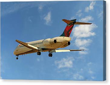 Airlines Canvas Print - Delta Airlines Boeing 717-200 by Nichola Denny