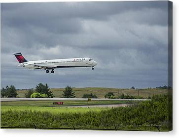Klm Canvas Print - Delta Airlines Boeing 717 N952dl Hartsfield-jackson Atlanta International Airport by Reid Callaway