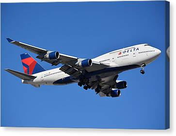 Delta Boeing 747-451 N662us Phoenix Sky Harbor January 12 2015 Canvas Print by Brian Lockett