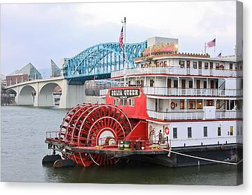 Delta Queen In Chattanooga Canvas Print by Tom and Pat Cory
