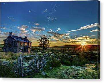 Derelict Cottage Nun's Cross, Dartmoor, Uk. Canvas Print