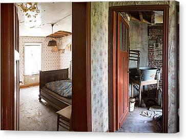 Deserted Bedroom - Urban Decay Canvas Print by Dirk Ercken