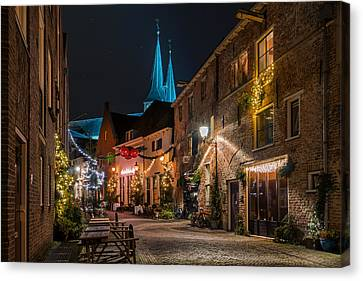 Deventer, Roggestraat Canvas Print by Martin Podt