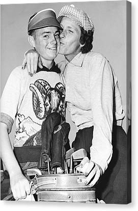 Didrikson Kisses Caddy Canvas Print by Underwood Archives