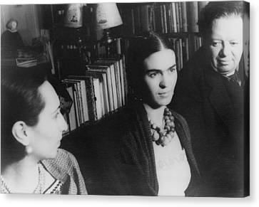 Diego Rivera And His Wife, Frida Kahlo Canvas Print by Everett