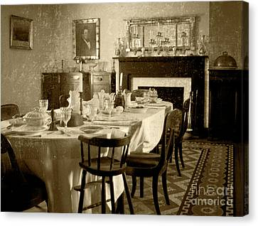 Canvas Print featuring the photograph Dinner Is Ready by Pete Hellmann