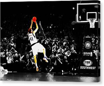 Dirk Nowitzki Fade Away Jumper Canvas Print by Brian Reaves