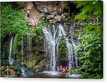 Diving At Akron Falls Canvas Print by Carlos Ruiz