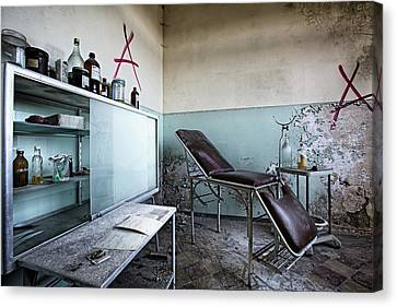 Canvas Print featuring the photograph Doctor Chair Awaits Patient - Urbex Exploaration by Dirk Ercken