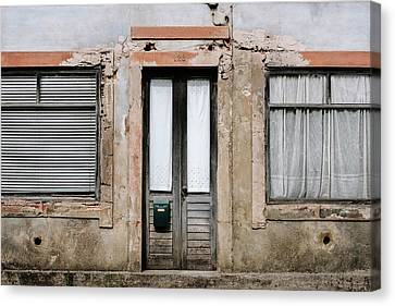 Canvas Print featuring the photograph Door No 128 by Marco Oliveira