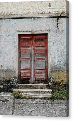 Canvas Print featuring the photograph Door No 175 by Marco Oliveira