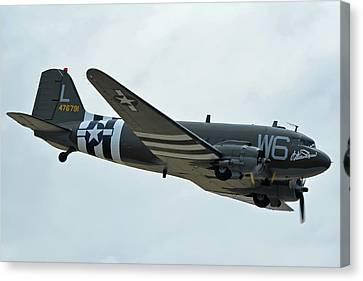 Canvas Print featuring the photograph Douglas C-47b Dakota N791hh Willa Dean Chino California April 30 2016 by Brian Lockett