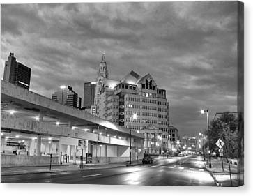 Downtown Columbus Bw5145 Canvas Print by Brian Gryphon