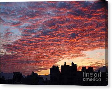 Canvas Print featuring the photograph Dramatic City Sunrise by Yali Shi