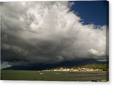 Canvas Print featuring the photograph Dramatic Clouds by Rod Jones