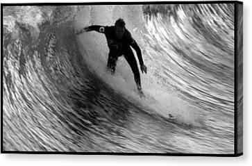 Dropping In At San Clemente Pier Canvas Print by Brad Scott