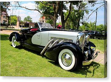 Canvas Print featuring the photograph Duesenberg Vii by Michiale Schneider