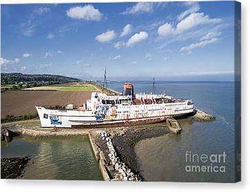 Duke Of Lancaster 1 Canvas Print by Steev Stamford