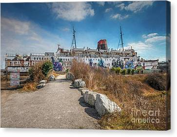 Canvas Print featuring the photograph Duke Of Lancaster Graffiti by Adrian Evans