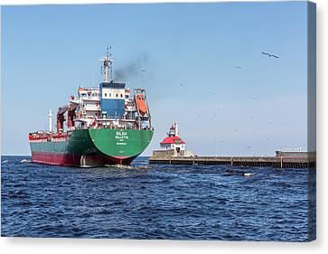 Duluth S Pier Lighthouse Ship Silda 2 Canvas Print