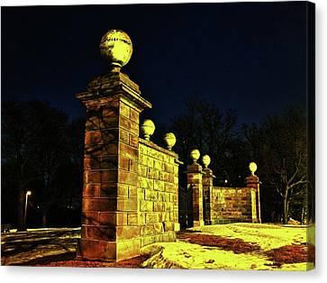 Dundurn Castle Entance Canvas Print by Larry Simanzik