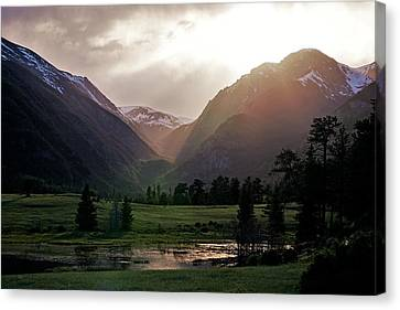 Early Evening Light In The Valley Canvas Print