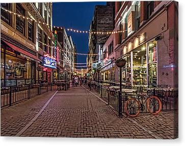 Early Evening On E. 4th Canvas Print