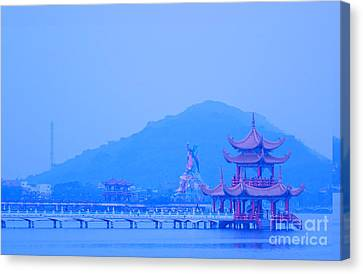 Canvas Print featuring the photograph Early Morning At The Lotus Lake by Yali Shi