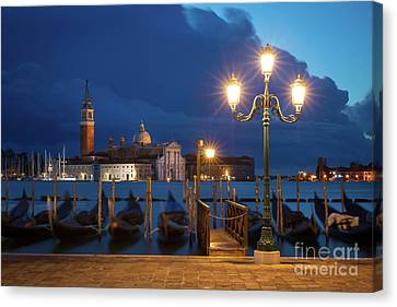 Canvas Print featuring the photograph Early Morning In Venice by Brian Jannsen