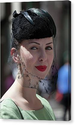 Easter Parade 2011 Hat And Veil Canvas Print by Robert Ullmann