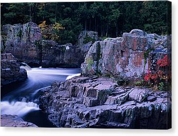 Canvas Print featuring the photograph Eau Claire Dells 1 by Peter Skiba
