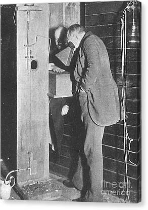 Edison Fluoroscope, 1896 Canvas Print by Science Source