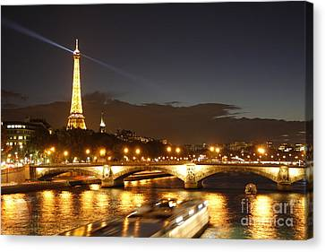 Eiffel Tower By Night Canvas Print by Wilko Van de Kamp