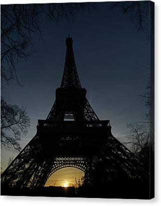 Eiffeltower At Sundown Canvas Print by Erik Tanghe