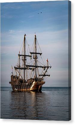 El Galeon Andalucia Canvas Print by Dale Kincaid
