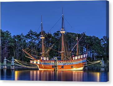 Elizabeth II At Dock Canvas Print by Greg Reed