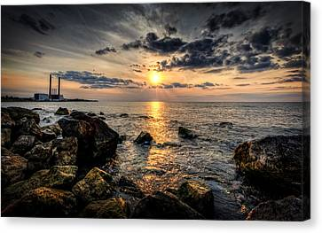End Of The Day Canvas Print by Everet Regal