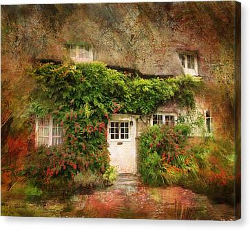 English Thatched Cottage On The Isle Of Wight Canvas Print by Carla Parris