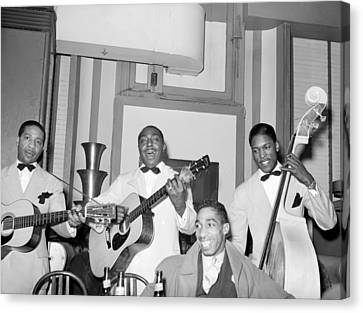 Entertainers At Negro Tavern. Chicago Canvas Print by Everett